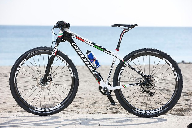 Marco Fontana's Cannondale F29, with custom Italian national champion's paint job