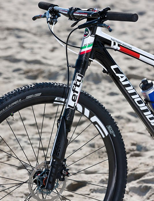 Another view of the Cannondale Lefty XLR Hybrid with 70mm travel and a  remote Rockshox lockout