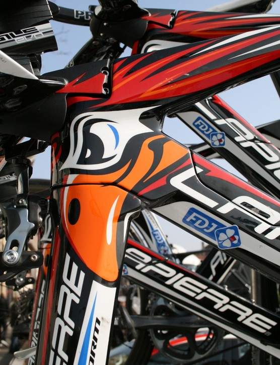 FDJ's Lapierre Aerostorm bikes are still carrying this scary-looking chicken design from last year