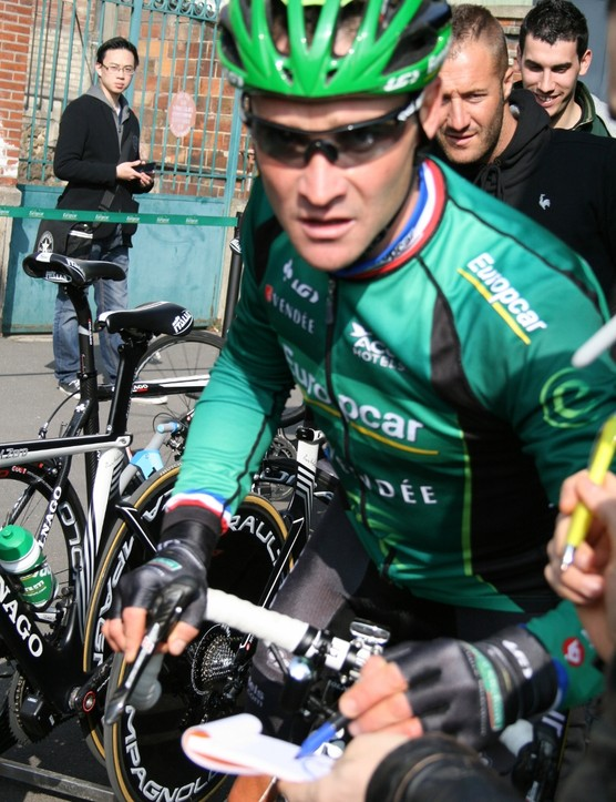 Thomas Voeckler held fans' attention as he headed to the start, but it was teammate Damien Gaudin who unexpectedly stole the show at the opening prologue