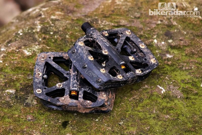 e*thirteen LG1+ flat pedals