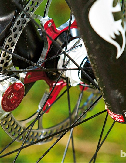 Formula R1 Racing brakes, with red anodised rotor carriers. Lovely…