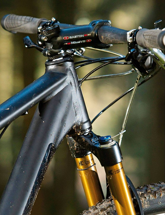 The straight rather than tapered head tube is an oversight, but not a deal-breaker