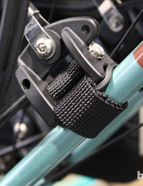 Rubberised hardware on the Thule Tour rack attachment points