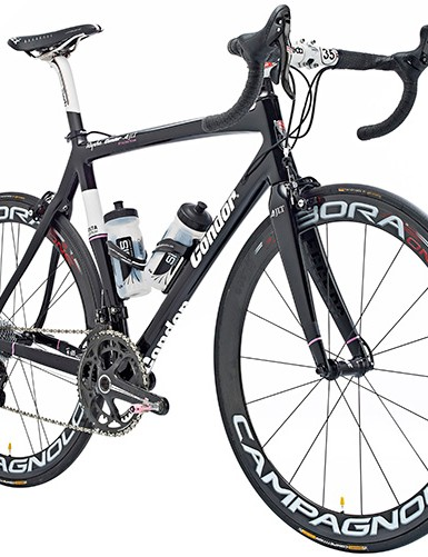 The sharp-looking carbon Leggero is equipped with Campagnolo in 2013