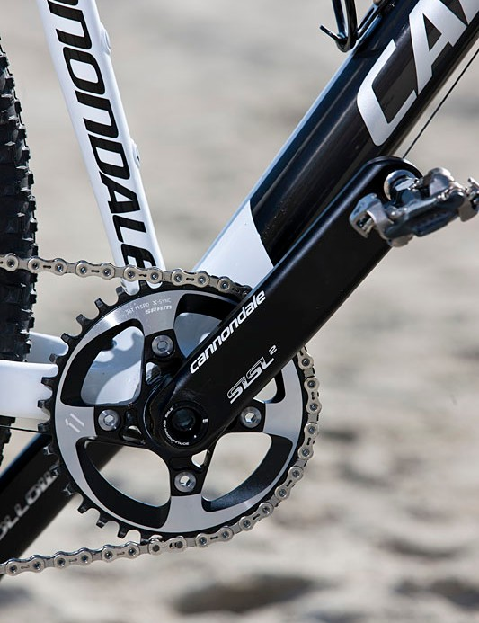 Things look clean up front with a single 36T chainring on Cannondale SISL2 cranks