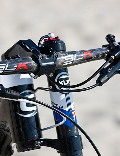 Special graphics for the New Zealand national champion are visible from the front