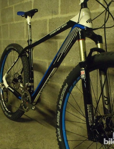 Stan's Crest rims, Tune hubs, a SRAM XX groupset and RockShox SID XX fork keep the weight low