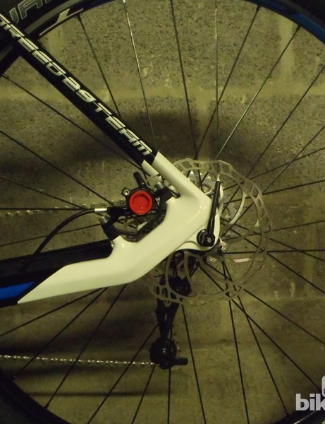 Neat rear dropout, with a Magura MT8 providing the stopping power