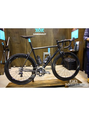 Argonaut Cycles has won NAHBS awards in the past for its steel bikes, but it now works exclusively in custom carbon fiber