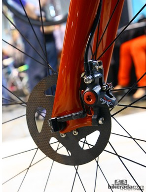 TRP Parabox calipers clamp down on Kettle Cycles SiCCC carbon composite rotors on this Caletti Cycles machine