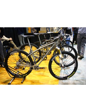 Dean does more conventional builds, too, such as this titanium hardtail - albeit with a gracefully curved top tube instead of the usual straight one