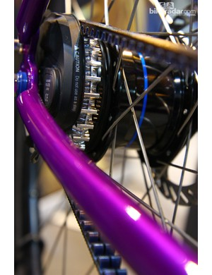 Co-Motion discovered the hard way that the standard Gates Carbon Drive Centertrack cog wouldn't work with the new Alfine Di2 rear hub - so the company machined its own