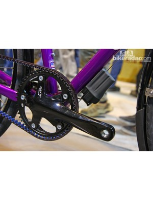 The Alfine Di2 battery is mounted beneath the down tube on this decked-out Co-Motion CityView townie