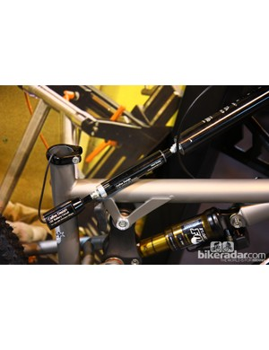 Calfee has adapted its slick internal battery setup for use on dropper seatposts