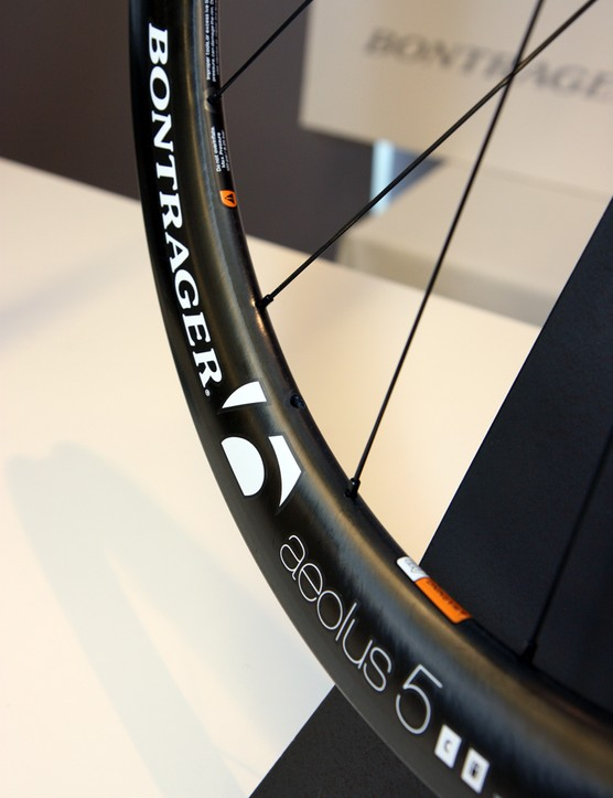 Bontrager once used internal nipples on its carbon tubular rims but the current models all use external ones for faster servicing