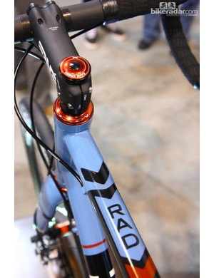 Kelson Bikes incorporates a neat cutout in the top tube sleeve on its titanium-and-carbon fiber R.A.D. frame