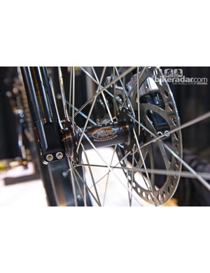 The key to Risse's fat bike tire compatibility is its 120mm-wide front hub