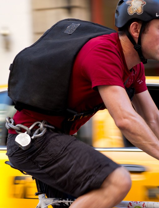 Joseph Gordon-Levitt in action as NYC bike courier 'Wilee' in Premium Rush