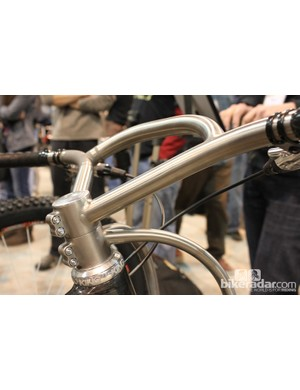 Swoopy handlebar to match the fork
