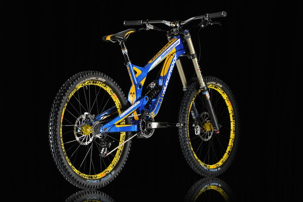 the Team CRC/Nukeproof Pulse in all its glory