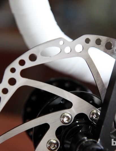 The new stainless steel HY/RD and Spyre rotors are designed to stay reasonably lightweight (85g for a 160mm size) while maintaining generous surface area for good stopping power and heat dissipation.