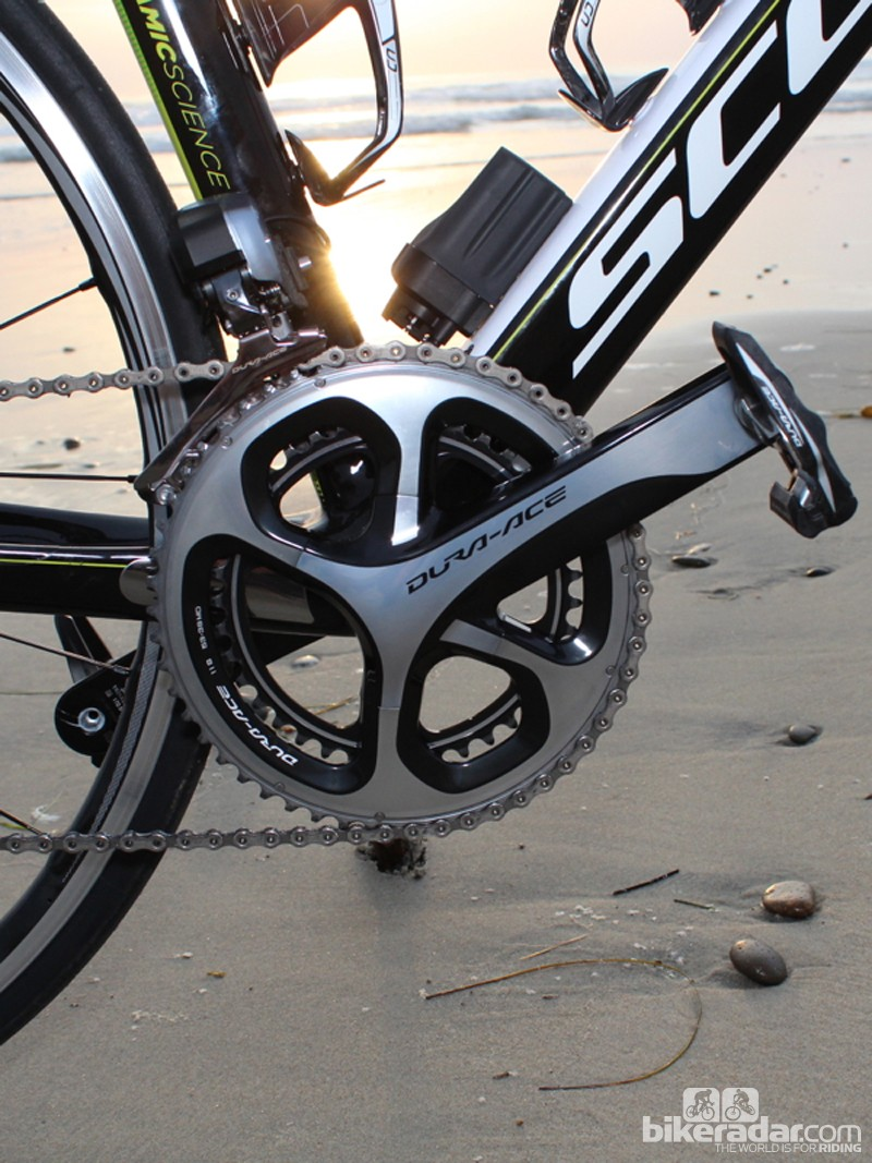 The heart of the drivetrain is the new, four-arm 9000 crank, with a powerful 9070 front derailleur that can upshift under full power