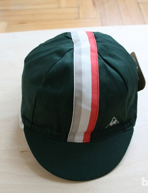 There are casquettes in a range of colours, and many in various national colours