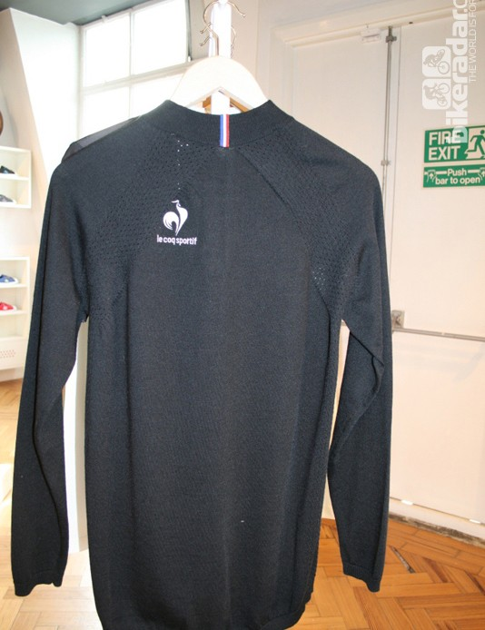 The Nahon jersey is part of the Performance range, but unlike the rest of the line it's made of merino wool