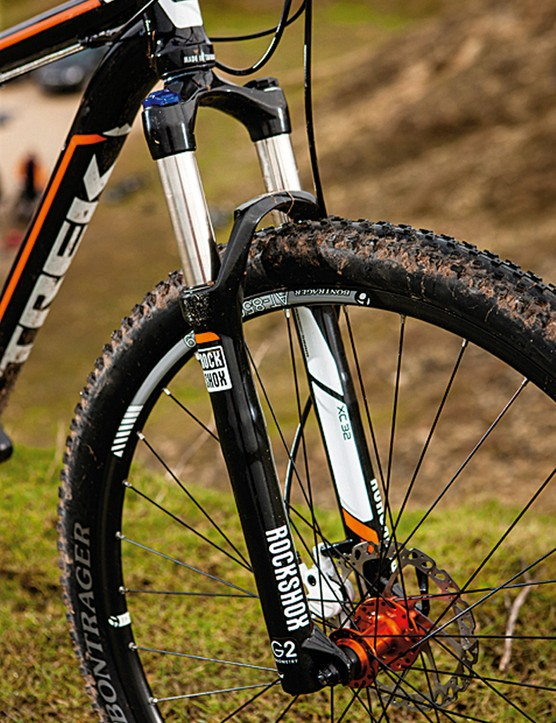 We like Fisher's G2 geometry because it manages to keep the steering of a big wheeler lively at low speeds without losing the inherent stability of a 29er as speeds increase