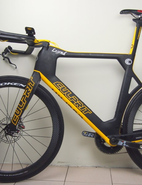 The Culprit prototype tri bike has no seat stays