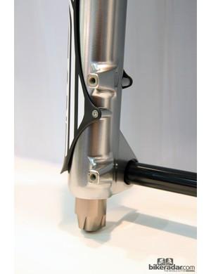 Post mount brake tabs