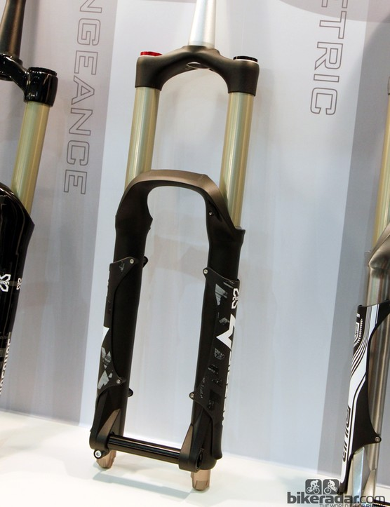 The new Metric enduro fork features 36mm-diameter stanchions and up to 180mm of travel
