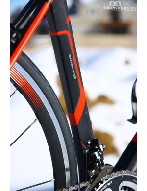 Wilier Triestina says the Cento1SR features an aerodynamically shaped seat tube, fork blades, and down tube. Whatever drag reduction that provides, however, is tactilely eclipsed by the superb ride quality