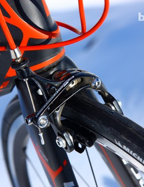 The forged aluminum Campagnolo Chorus brake calipers provide heaps of power and fantastic lever feel