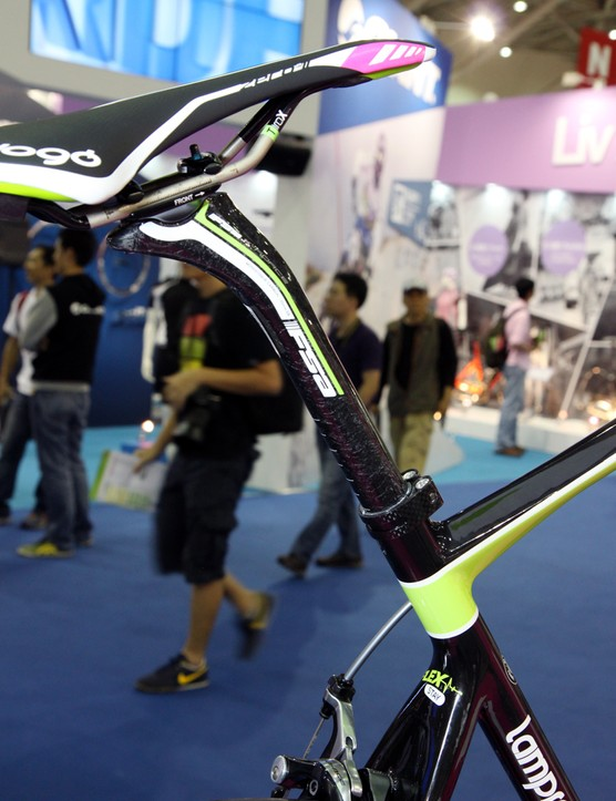 Not surprisingly given its intended use, Merida outfits the new Ride SL with a slim, 27.2mm-diameter seatpost