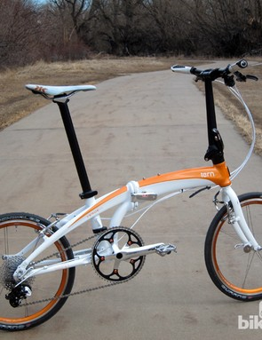 The Tern Verge X10 certainly drew a lot of positive comments from onlookers with its eyecatching white and orange finish