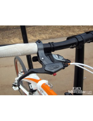 Quality components include Ergon grips, Avid Speed Dial 7 brake levers, and a SRAM X7 trigger shifter
