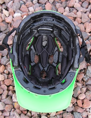Four vents in the brow channel air through the helmet
