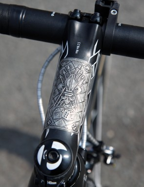 Fabian Cancellara's (Radioshack-Leopard-Trek) trademark plaque decorates the stem on his Trek Domane 6-Series for Ronde van Vlaanderen