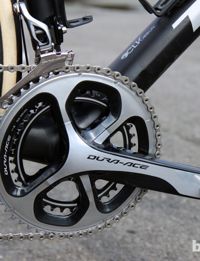 175mm-long Shimano Dura-Ace 9000 crankarms are equipped with 53/39T chainrings here