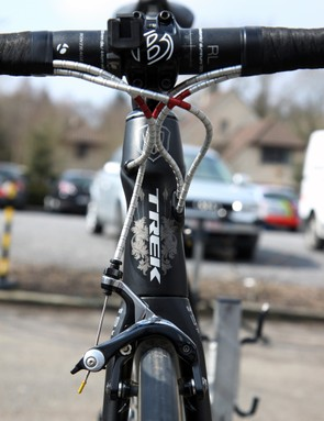 Tidy cable routing courtesy of Nokon's aluminum housing and team mechanic Roger Theel