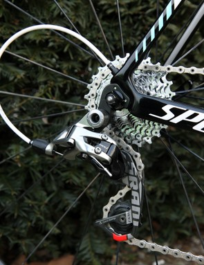 The SRAM Red rear derailleur is mated to a PC-1070 11-26T cassette and PC-1091 chain.