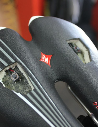 Pressure-sensitive buttons are embedded into the saddle. All that's required to shift is a simple weight transfer