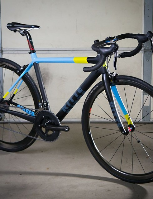Sports Garage claims that the complete Di2BS-equipped Ritte Bosberg shown here weighs just 6.48kg (14.3lb)