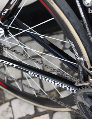 The broad chain stays suggest very good side-to-side stiffness on the revamped Scott Addict