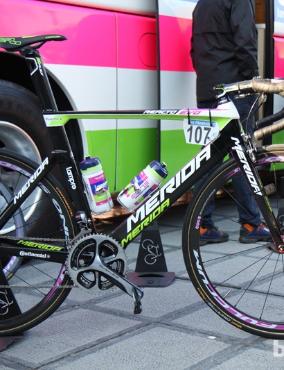 Merida's new Reacto Evo aero road bike made a debut at the Tour of Flanders under Lampre-Merida riders Filippo Pozzato and Alessandro Petacchi