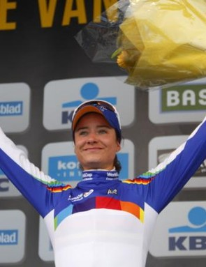 World Cup leader Marianne Vos (Rabobank Liv/Giant) on the podium