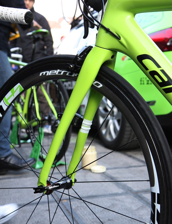 Both tape and zip-ties are used to secure the speed sensor on Peter Sagan's (Cannondale Pro Cycling) new Cannondale Synapse Evo Hi-Mod fork