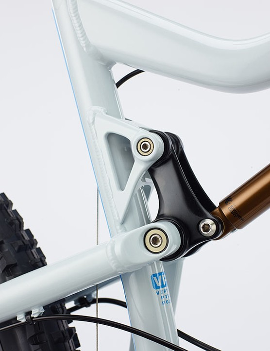 Both the upper and lower suspension links are forged